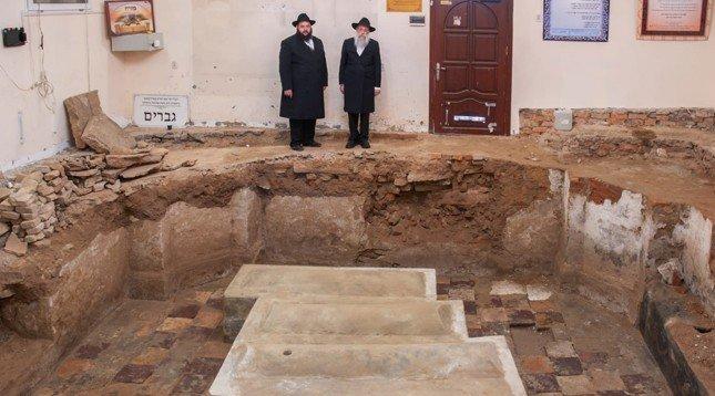 Today is the Yortzeit of Rav Levi Yitzchak of Berdichev