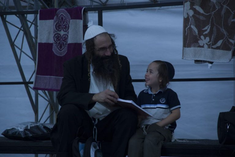 Read more about the article Pictures from the Heichal HaTorah in Uman